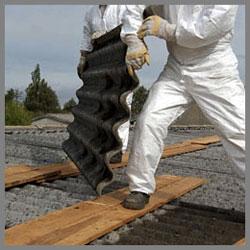 lavoro rimozione tegole smaltimento amianto