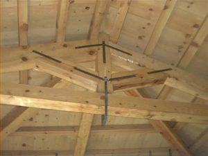 soffitto con travi in legno smaltimento amianto