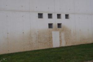 parete con finestre smaltimento amianto