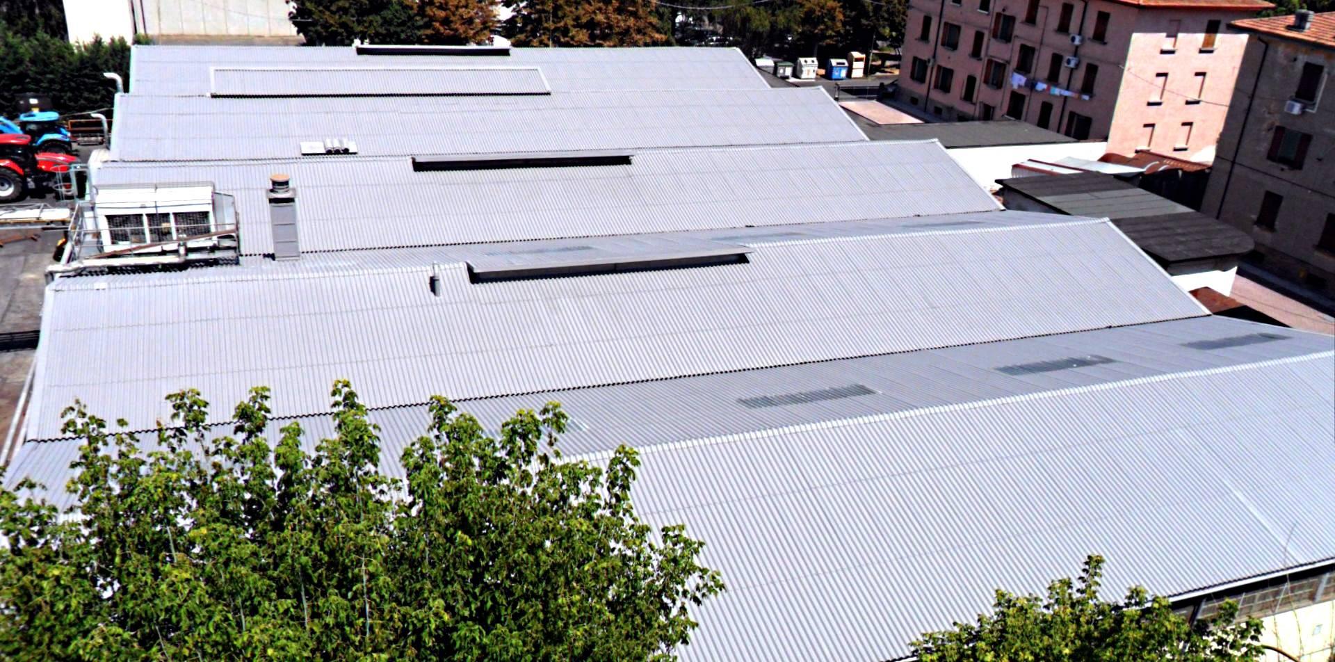 incapsulamento amianto con vista dall'alto capannone