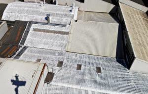 tetti grigi e marroni smaltimento amianto