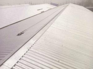 tetto con sicurezza smaltimento amianto