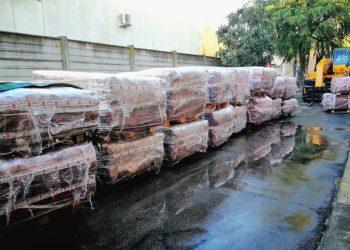 pacchi tegole smaltimento amianto