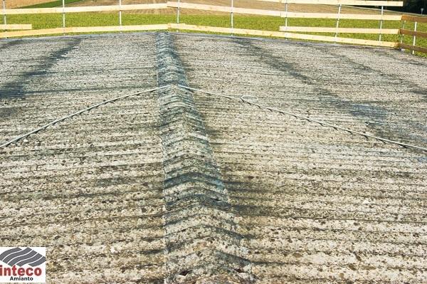 tetto recintato smaltimento amianto